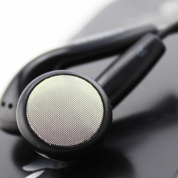 Kašický kôstky špunty slúchadlá do uší s naozaj veľmi silnými basmi.