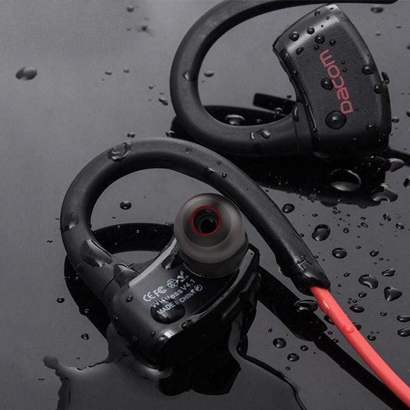 Vode odolná, vodo tesná slúchadlá do uší s integrovaným MP3 prehrávačom.