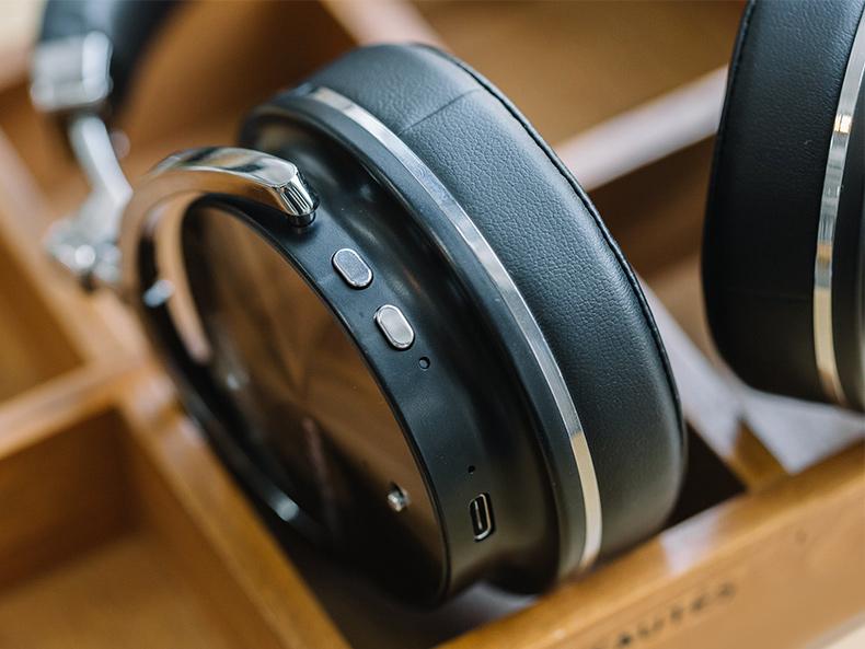 Bezdrôtová Bluetooth slúchadlá s mikrofónom a ovládaním pesničiek, hlasitosti, telefónu BLuedio t4s.