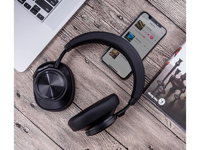 Bezdrôtová Bluetooth slúchadlá cez hlavu s dlhou výdržou batérie a moderným USB-C.