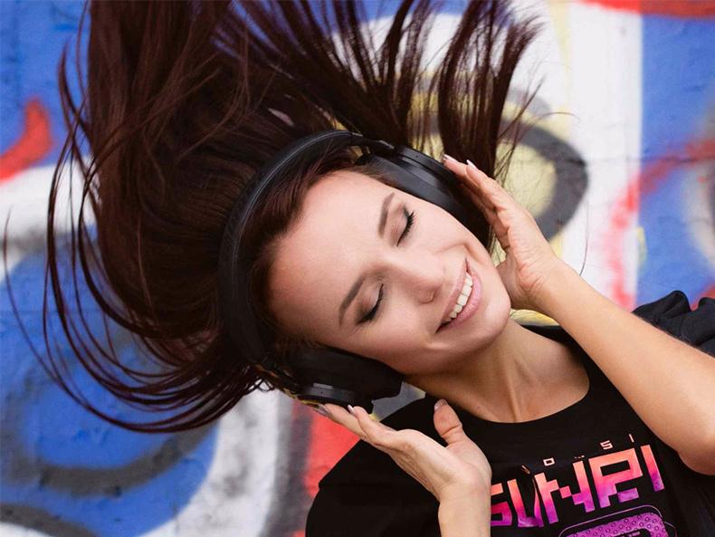 Bezdrôtová Bluetooth slúchadlá na hlavu pre Iphone, Android, Apple, Windows, TV.