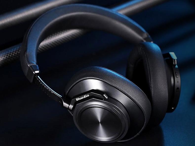 Odolná náhlavné slúchadlá z kovu kovová bezdrôtové slúchadlá Bluedio T6.