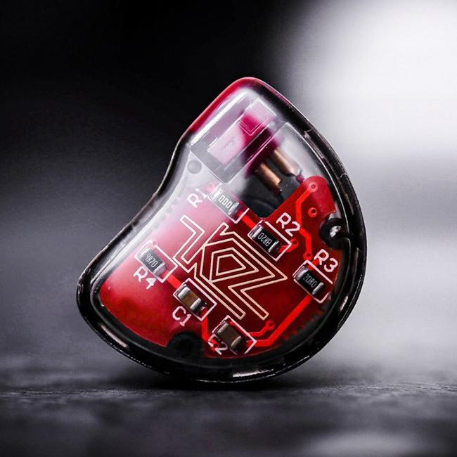 Kvalitné slúchadlá KZ ZS10 s hardvérovou výhybkou, deličom frekvencií.