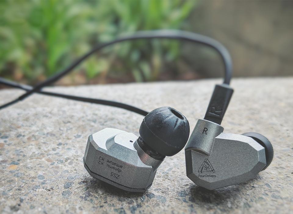 Kvalitné HiFi slúchadlá s tlakovými a dynamickými meničmi lacno - KZ ZS5.