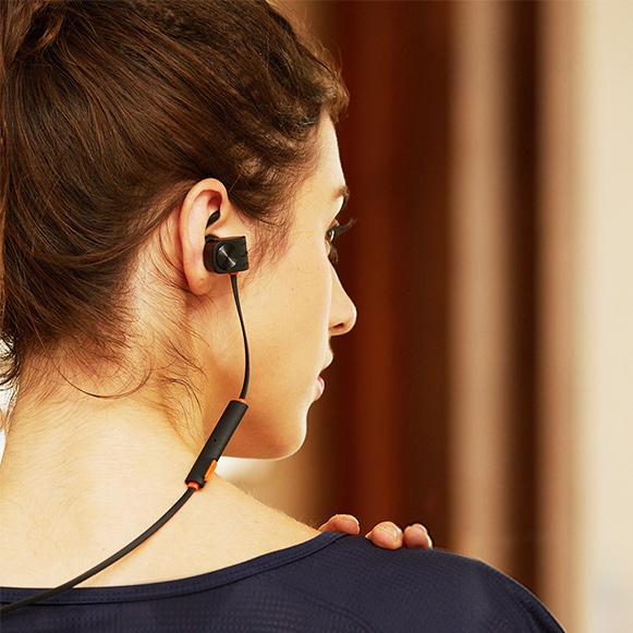 Kvalitni bezdrôtové slúchadlá do uší so silnými basmi a skvelým zvukom Plextone BX338.