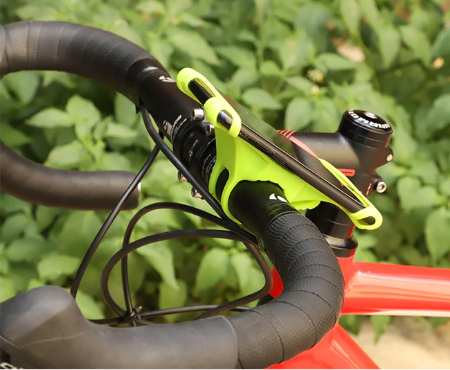 Zelený univerzálny držiak na bicykel, kočík silikónové prevedenie West Biking.
