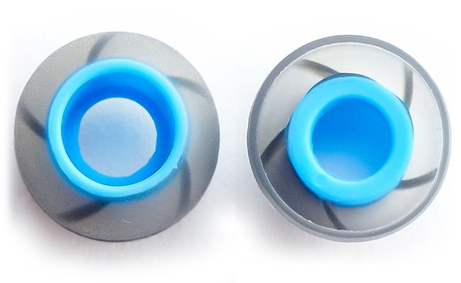 Veľké nahradne špunty na slúchadlá do uší s veľkým kanálikom.
