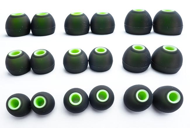 Náhradné špunty na slúchadlá v rôznych veľkostiach veľká, stredná, malá.