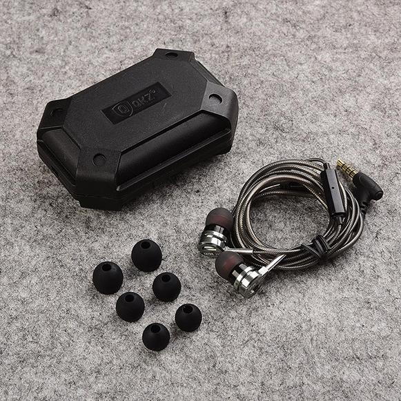Pekná krabička Hifi slúchadiel do uší QKZ DM9.