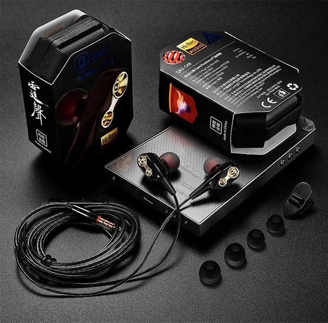 Luxusné slúchadlá v darčekovom balení špunty do uší QKZ CK8.