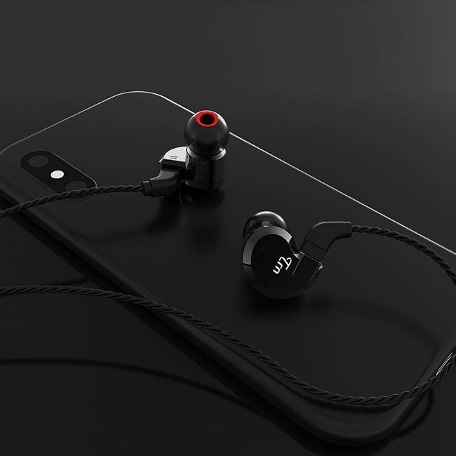 Elegantná čierna slúchadlá malé mini monitory do uší.