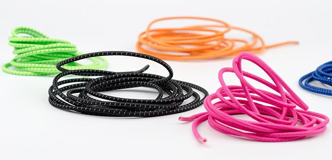 Krásne farebné šnúrky do topánok s výraznými pestrými farbami.  Svietivé neónové šnúrky Aonijie E4055.