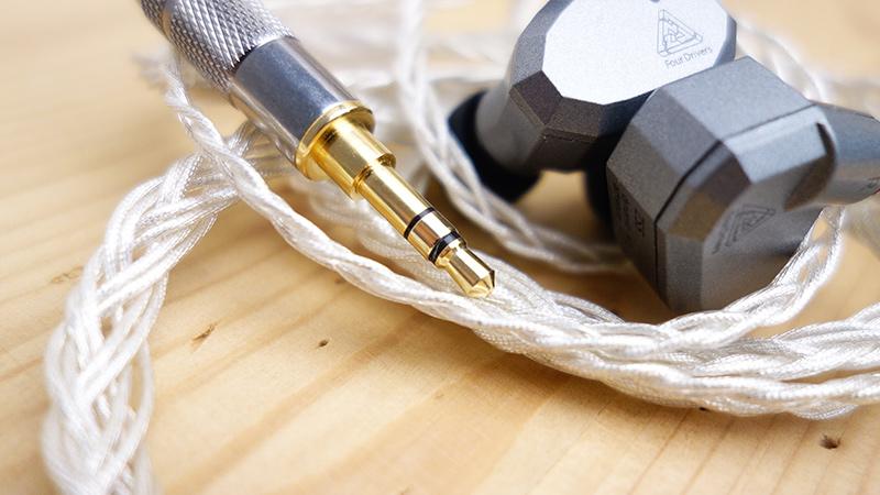 recenzia-kábla-pre-kz-ZS5-nejlepsi-vylepšujúci-kábel-strieborny